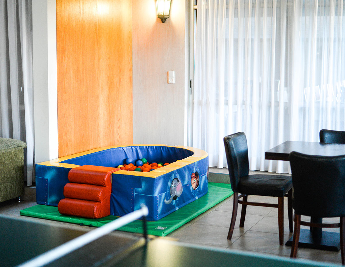 Beth-Shalom-Hotel-Haifa-Seating-aeras-6