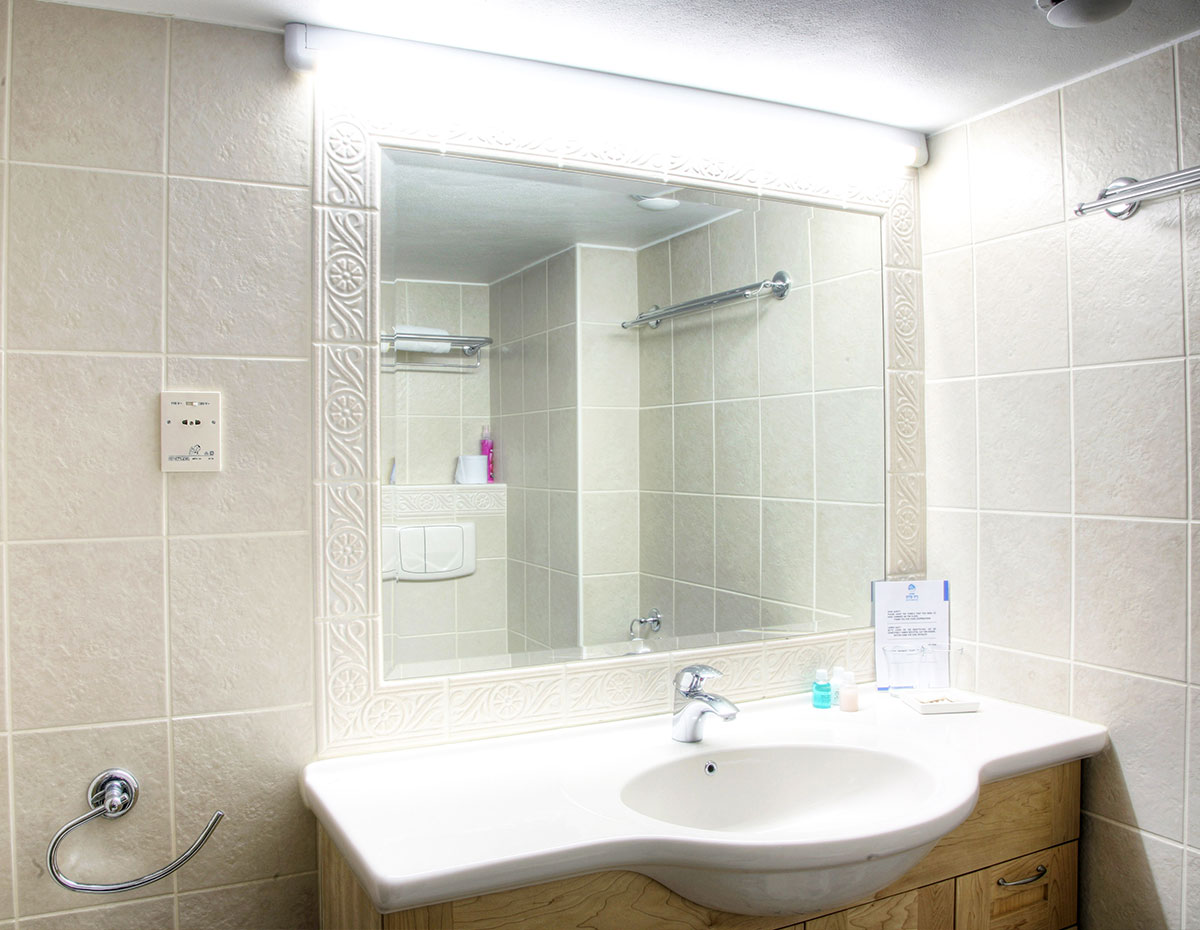 Beth-Shalom-Hotel-rooms-3