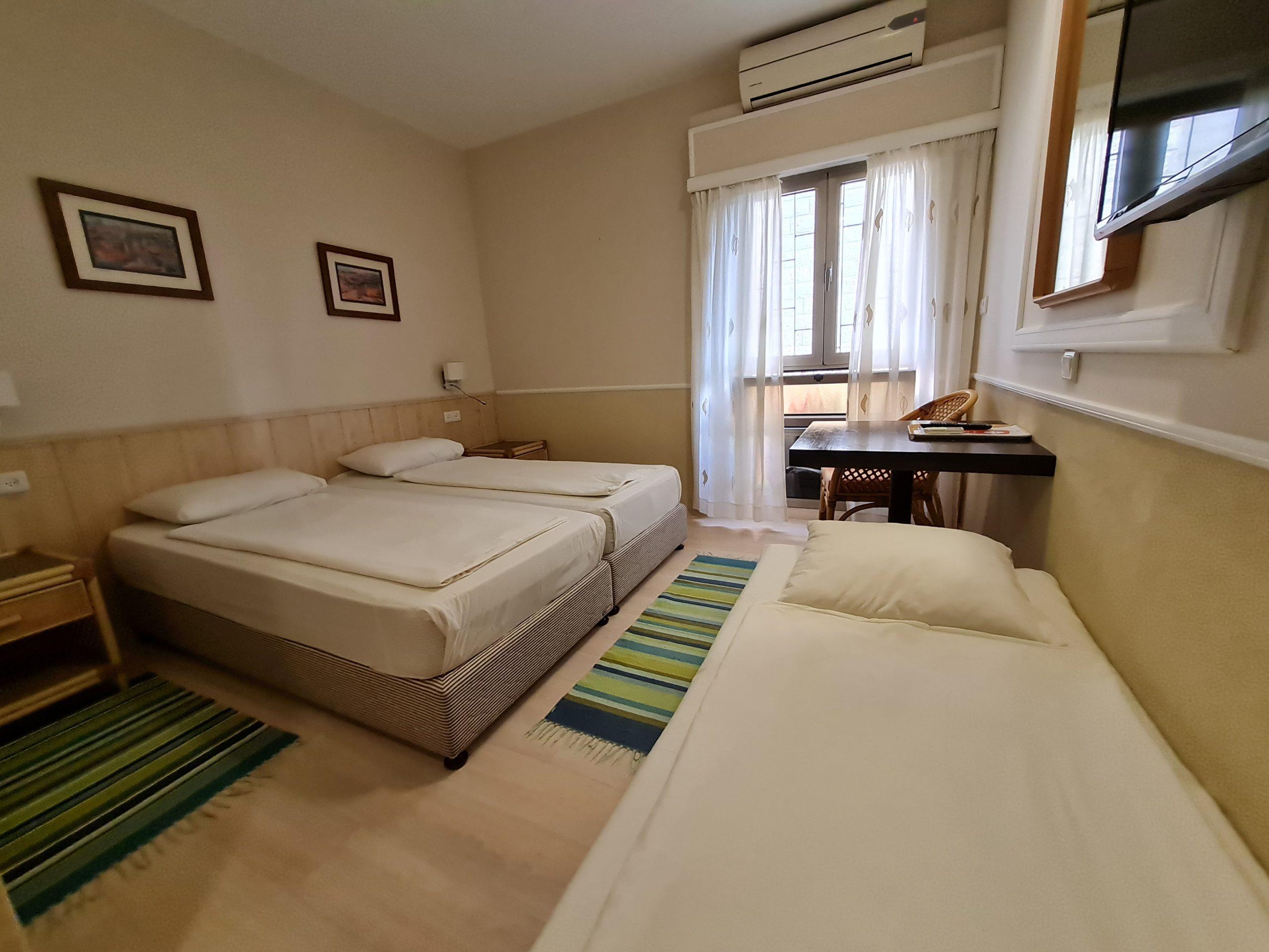 Beth-Shalom_Triple_room1